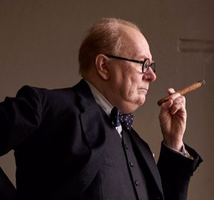 darkest-hour-gary-oldman-winston-churchill-600x559