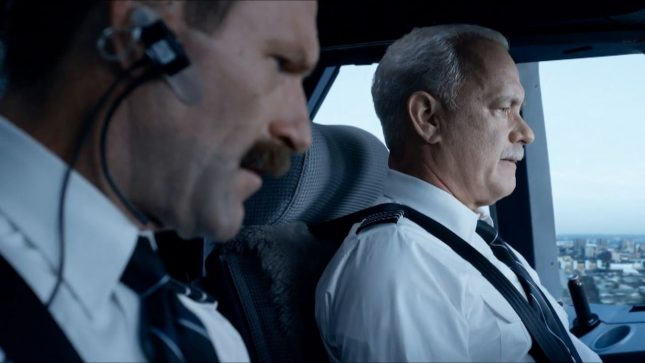 Tom-Hanks-and-Aaron-Eckhart-in-Sully
