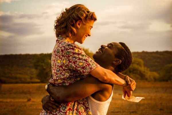 a-united-kingdom-rosamund-pike-david-oyelowo-1-600x400