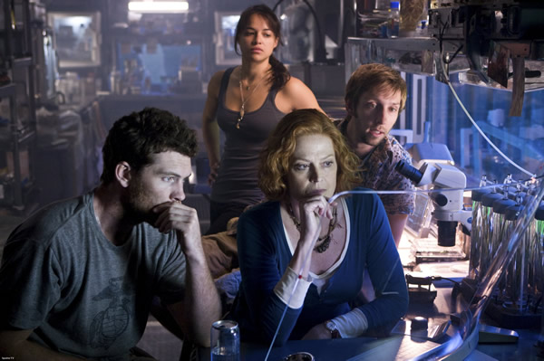 avatar_movie_image_sam_worthington_sigourney_weaver_michelle_rodriguez_01