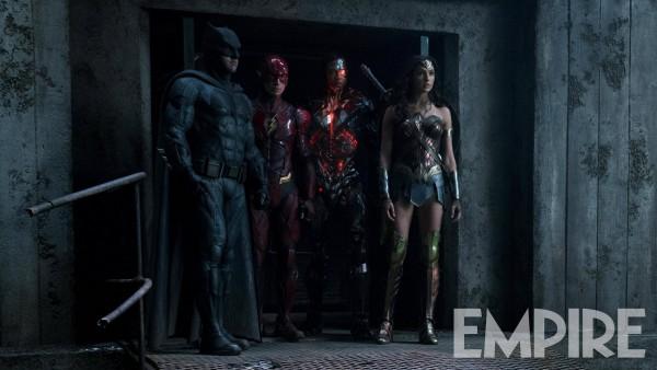 justice-league-image-batman-flash-cyborg-wonder-woman-600x338