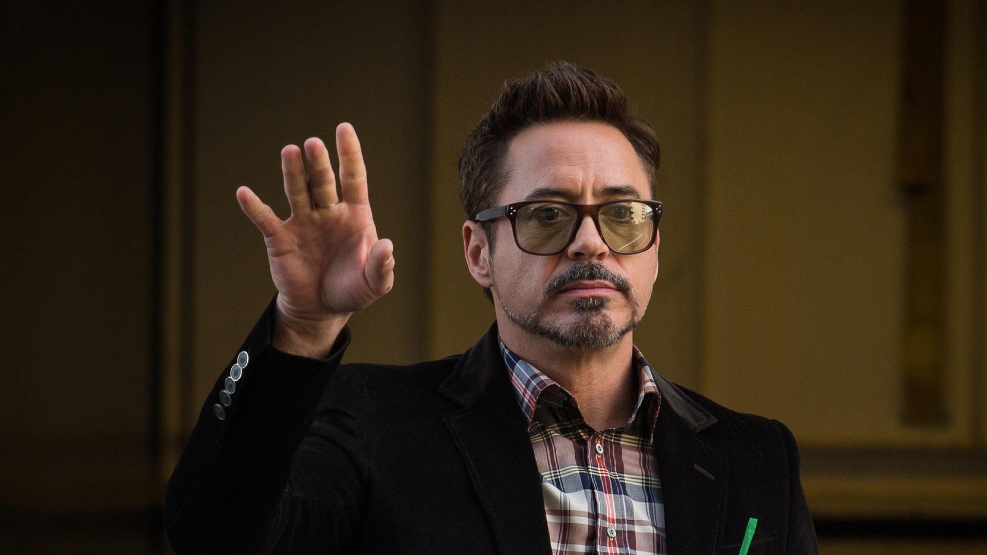 Tony-Stark-Robert-Downey-Jr-by-Justin-Brown-copy