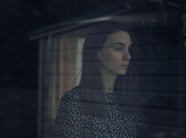 a-ghost-story-rooney-mara-600x443