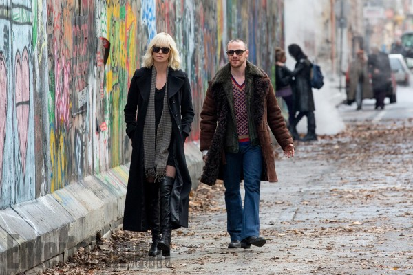 atomic-blonde-charlize-theron-james-mcavoy-600x400