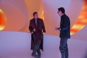 guardians-of-the-galaxy-2-behind-the-scenes-image-chris-pratt-james-gunn-600x400
