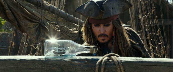johnny-depp-pirates-of-the-caribbean-5-600x251