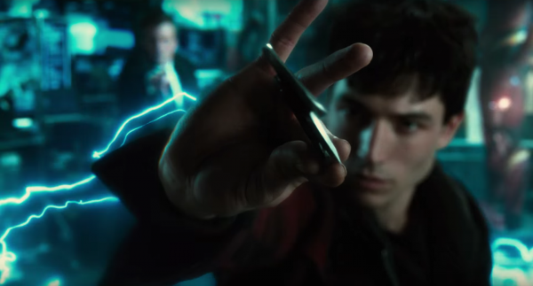 justice-league-trailer-images-18-600x323