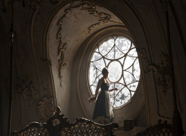 beauty-and-the-beast-movie-image-emma-watson-600x438