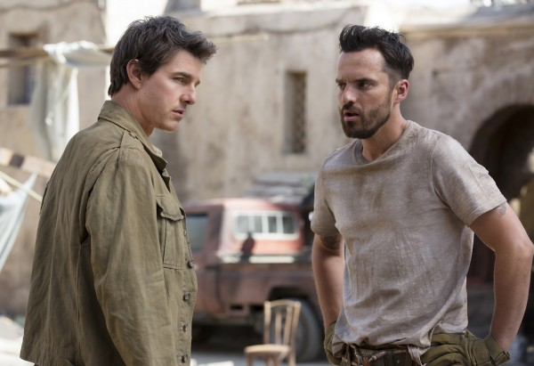the-mummy-movie-image-tom-cruise-jake-johnson-600x411