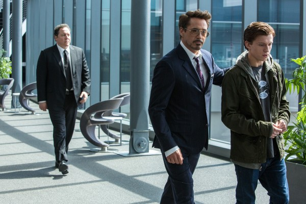 spider-man-homecoming-favreau-downey-holland-600x400