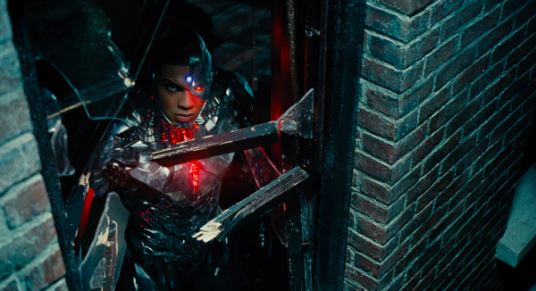 justice-league-movie-image-26-600x326