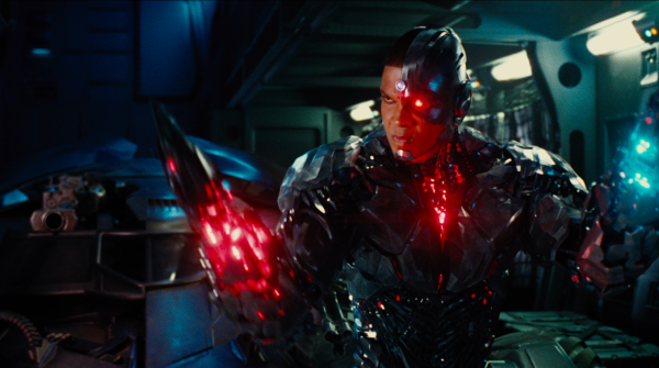 justice-league-movie-image-3-600x335