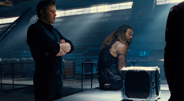 justice-league-movie-image-40-600x330