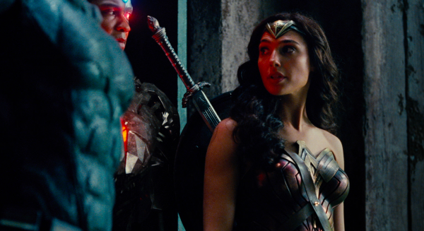 justice-league-movie-image-42-600x327