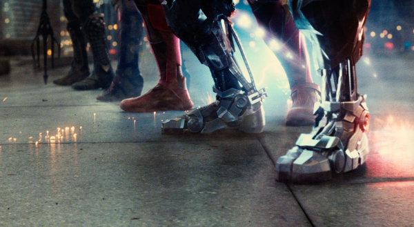 justice-league-movie-image-61-600x329
