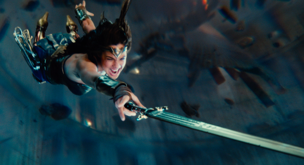 justice-league-movie-image-65-600x327