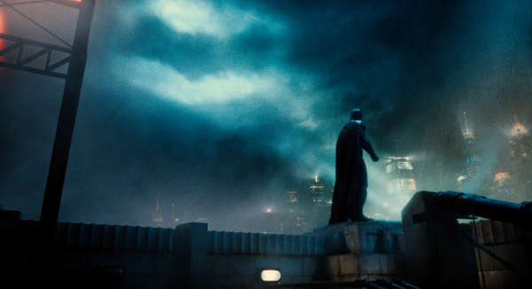 justice-league-movie-image-7-600x326