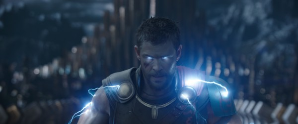 thor-ragnarok-chris-hemsworth-600x251