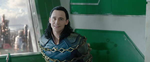 thor-ragnarok-tom-hiddleston-600x251