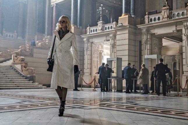 Atomica 645x430 - Charlize Theron es una espía mortal en Atómica - La Reseña Cinergetica
