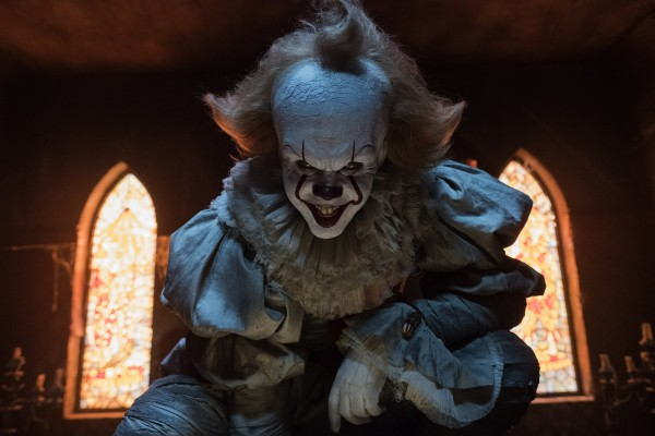 it-movie-image-pennywise-bill-skarsgard-600x400