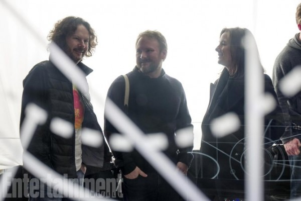 star-wars-8-set-photo-rian-johnson-kathleen-kennedy-600x400