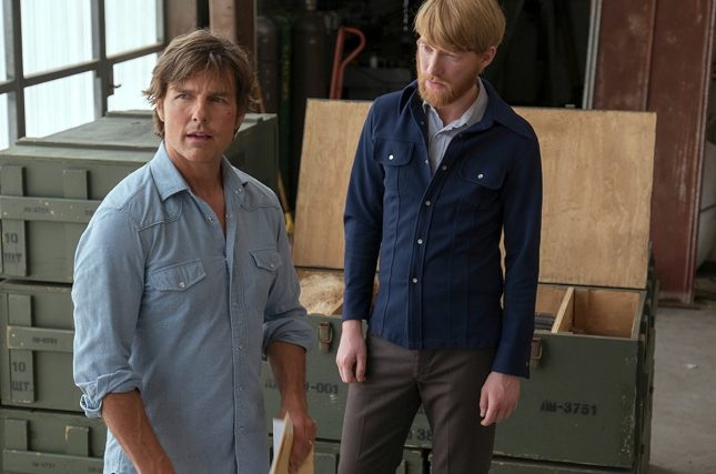 barry seal tom cruise domnhall gleeson