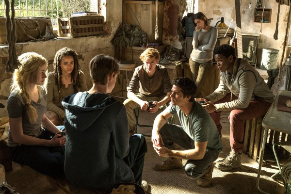 maze-runner-the-death-cure-cast-image-dylan-obrien-thomas-brodie-sangster-600x400