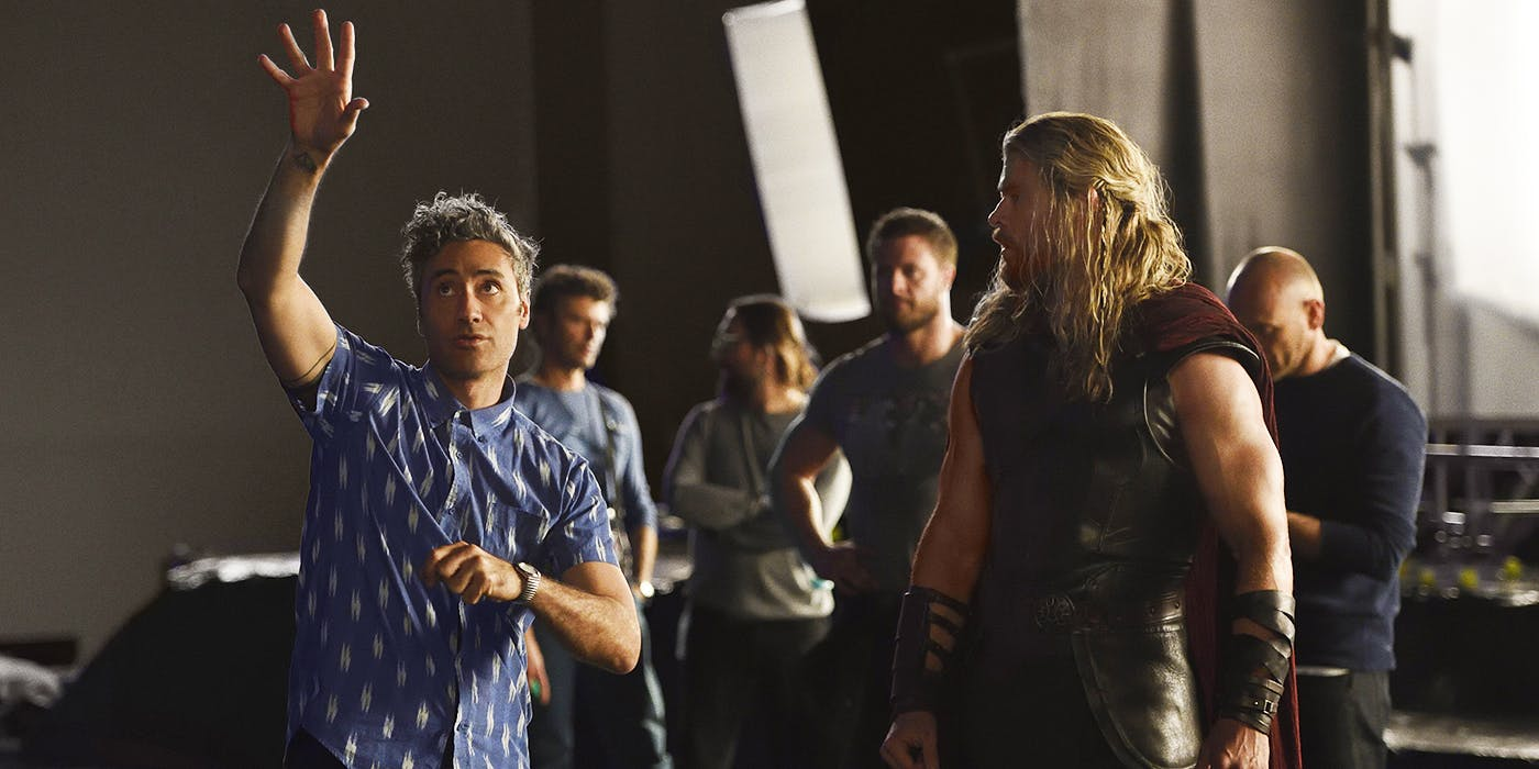 Thor-Ragnarok-BTS-Taika-Waititi-and-Chris-Hemsworth
