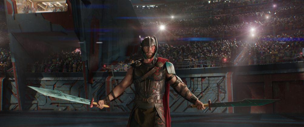 thor ragnarok images chris hemsworth gladiator arena 1003x420 - Galería de Imágenes de Thor: Ragnarok