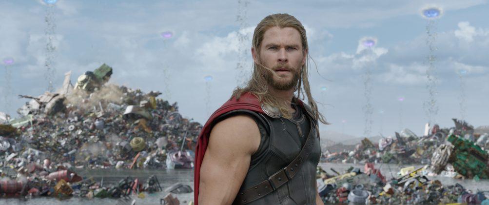 thor ragnarok images chris hemsworth hair 1003x420 - Galería de Imágenes de Thor: Ragnarok
