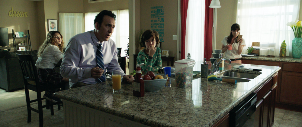 mom and dad movie images nicolas cage selma blair 1000x420 - Regresa el Nicolas Cage Loco en el Trailer de Mom and Dad