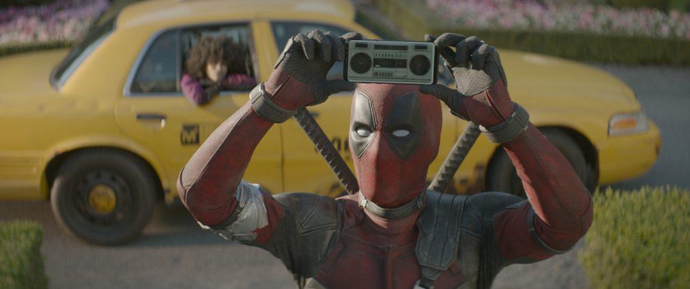 deadpool 2 ryan reynolds 1003x420 - Galería de Imágenes de Deadpool 2