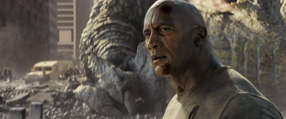 rampage movie dwayne johnson 1002x420 - Galería de Imágenes de Rampage: Devastación con las Bestias
