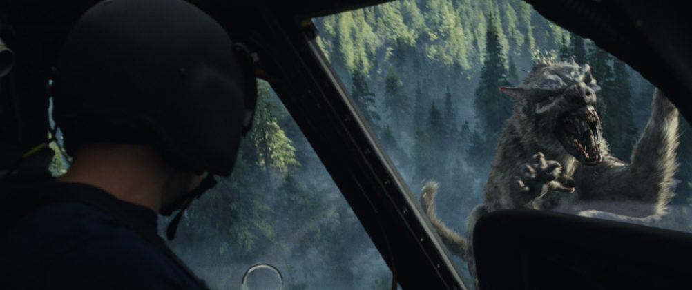 rampage wolf helicopter 1002x420 - Galería de Imágenes de Rampage: Devastación con las Bestias