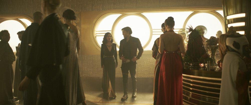 solo a star wars story emilia clarke alden ehrenreich 1003x420 - Nuevo Trailer de Solo: Una Historia de Star Wars