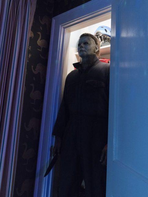 halloween michael myers 484x645 - Primeras imágenes de la nueva película de Halloween y su teaser