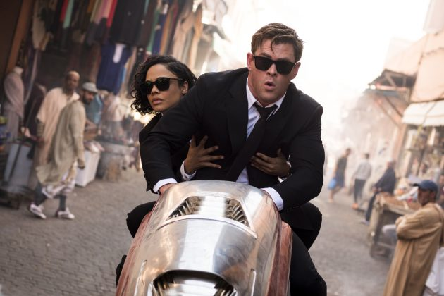 chris hemsworth tessa thompson men in black international 630x420 - Galería de imágenes de Hombres de Negro: Internacional