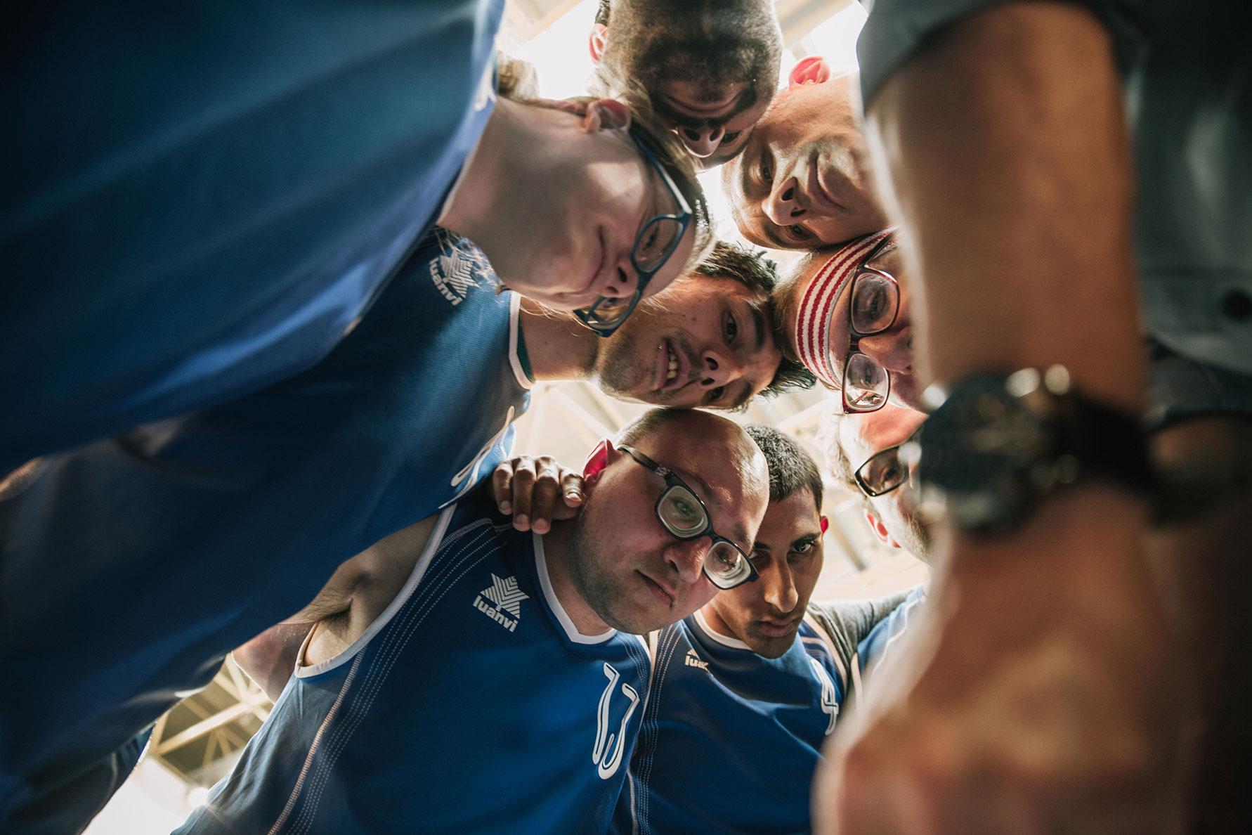 somos campeones equipo baloncesto bastket ball 2 - Somos Campeones: La Reseña Cinergetica