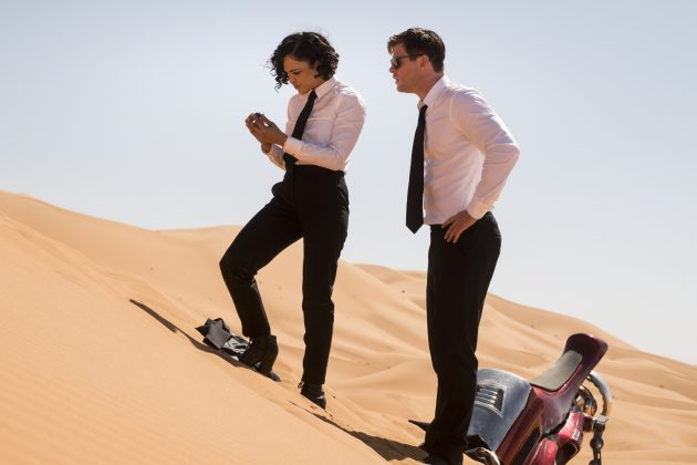 tessa thompson chris hemsworth men in black international 630x420 - Galería de imágenes de Hombres de Negro: Internacional