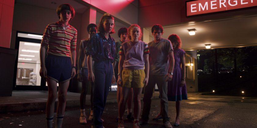 stranger things 3 cast 840x420 - Primer teaser trailer de Stranger Things 3