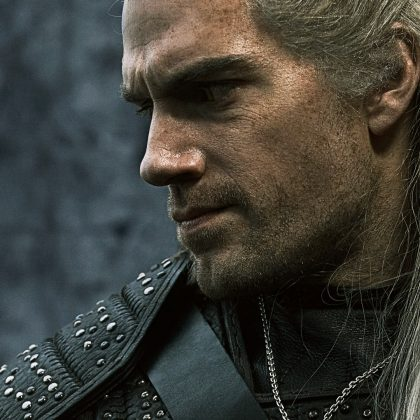 witcher series geralt 420x420 - Primer vistazo a The Witcher de Netflix