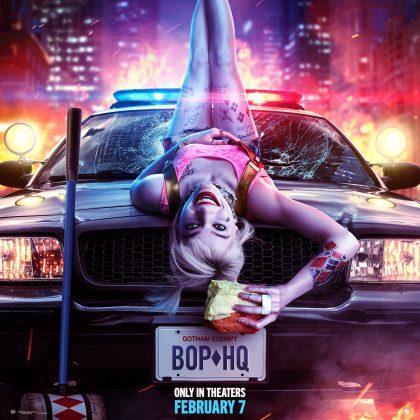 birds of prey margot robbie poster 420x420 - Trailer oficial de Aves de Presa (y la fantástica emancipación de una Harley Quinn) con Margot Robbie